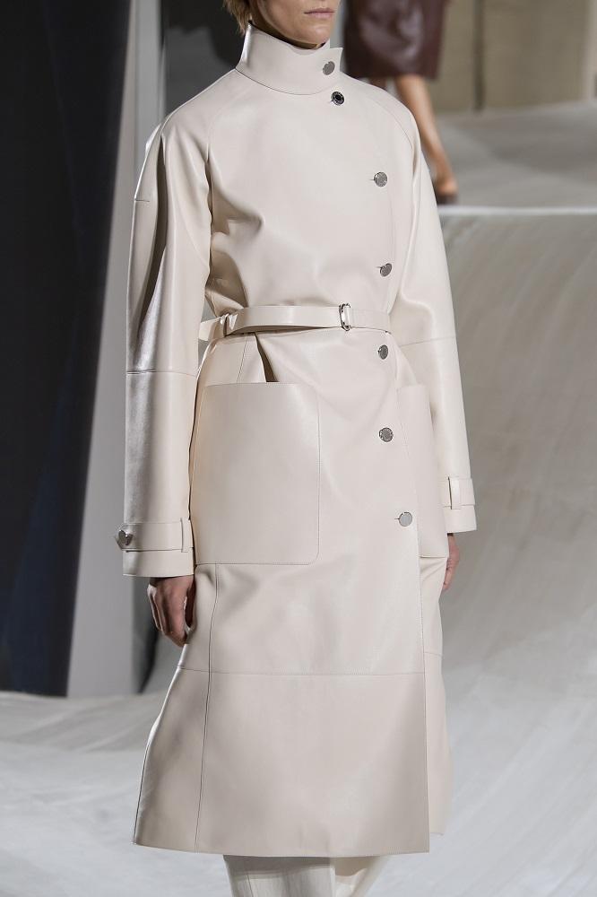 """Другой взгляд: 6 модных фасонов пальто сезона """"весна-лето"""" 2021-Фото 5"""