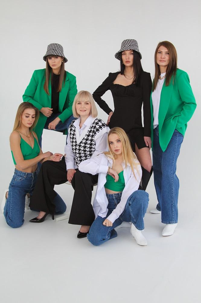 Мода проти ейджизму: One by One випустив капсульну колекцію «NEW.ME»-Фото 2