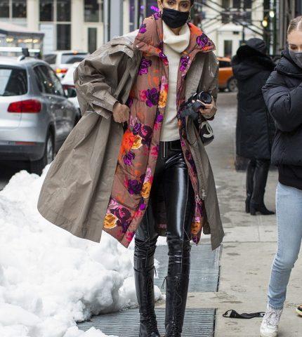 Fashion-обзор: Главные тренды streetstyle на Неделе моды в Нью-Йорке зима 2021-430x480