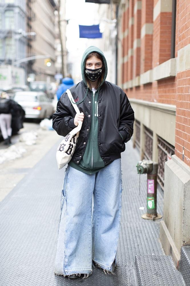 Fashion-обзор: Главные тренды streetstyle на Неделе моды в Нью-Йорке зима 2021-Фото 8