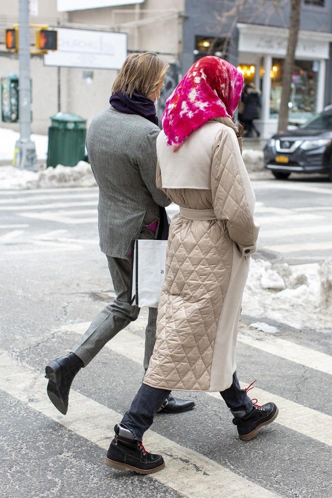 Fashion-обзор: Главные тренды streetstyle на Неделе моды в Нью-Йорке зима 2021-Фото 2