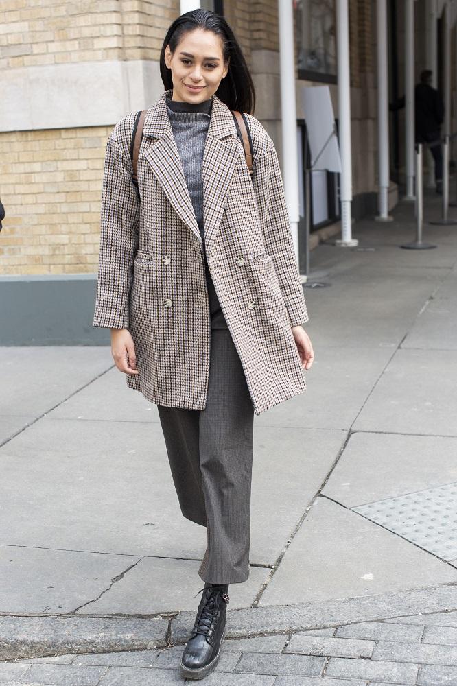 Fashion-обзор: Главные тренды streetstyle на Неделе моды в Нью-Йорке зима 2021-Фото 9