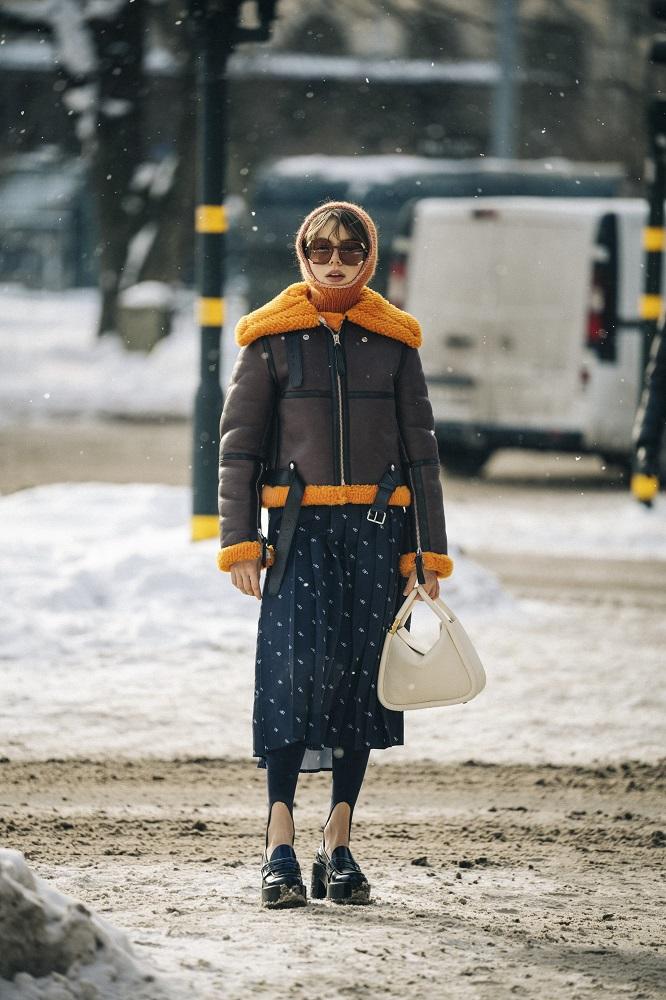 Главные трендыstreetstyleна Неделе Моды в Стокгольме зима 2021-Фото 8