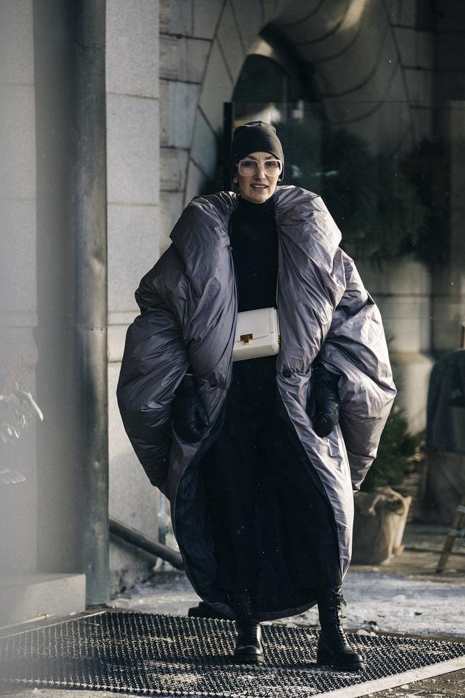Главные трендыstreetstyleна Неделе Моды в Стокгольме зима 2021-Фото 3