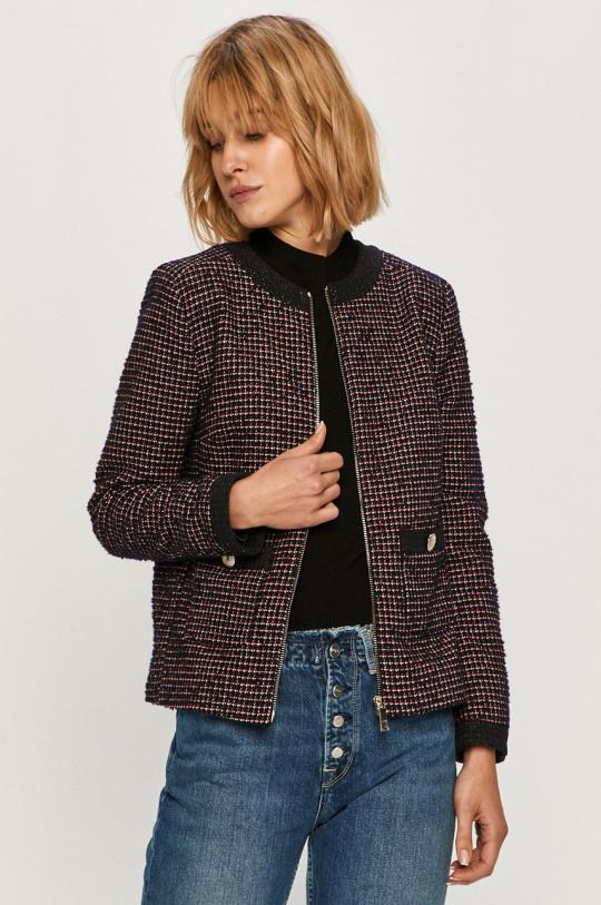 Любимая деталь гардероба Кейт Миддлтон — яркий тренд весны 2021-Фото 8