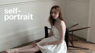 """Звезда """"Бриджертонов"""" стала моделью и появилась в дебютной рекламной кампании-320x180"""