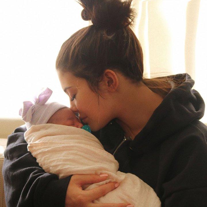 Кайли Дженнер поздравила с днем рождения дочьСторми-Фото 2