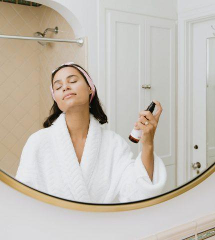 Почему косметика — это прежде всего лечение, а не украшение-430x480