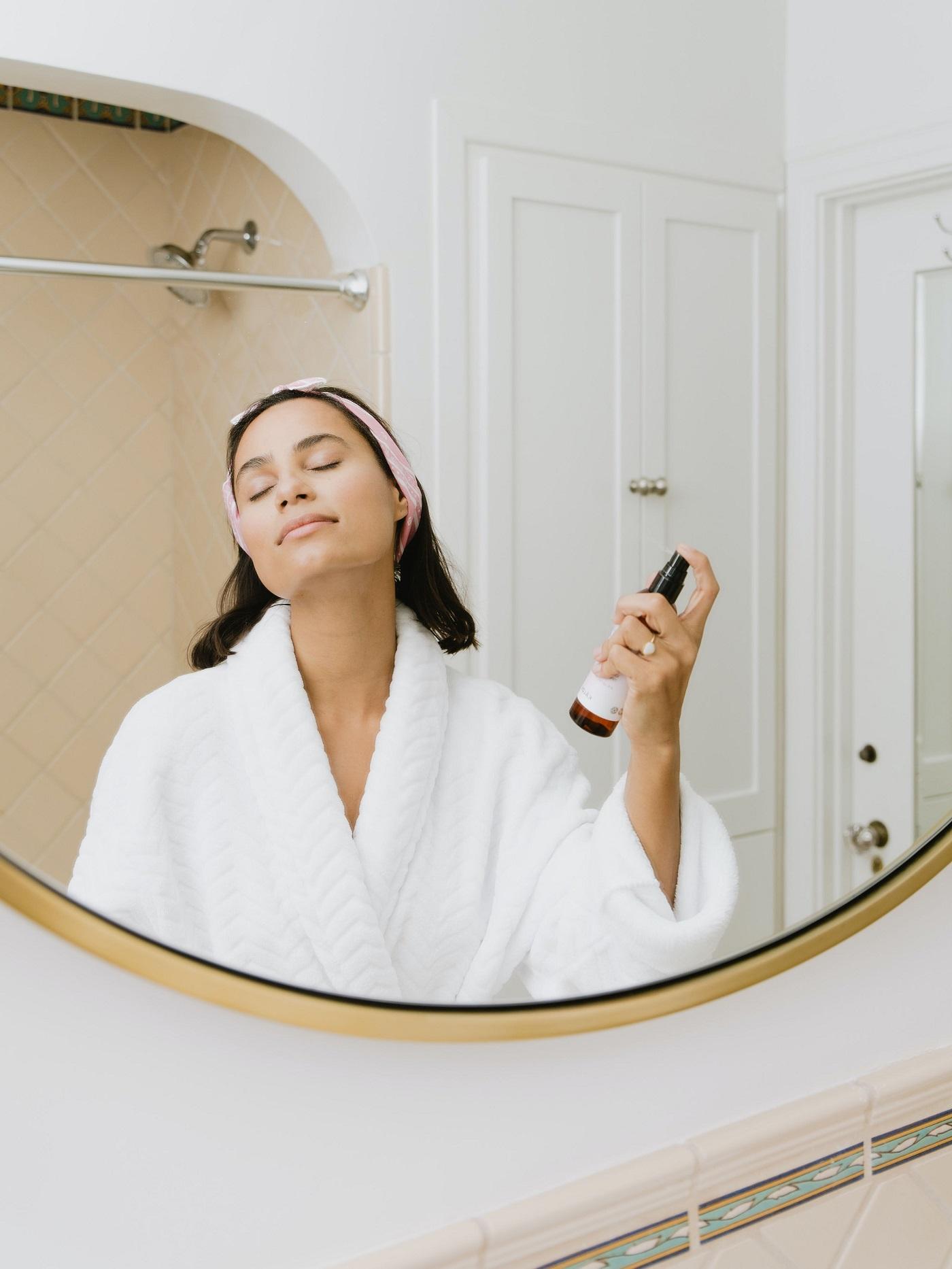 Почему косметика — это прежде всего лечение, а не украшение-Фото 3