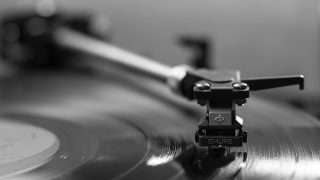 Как учить английский по песням: топ-5 советов-320x180