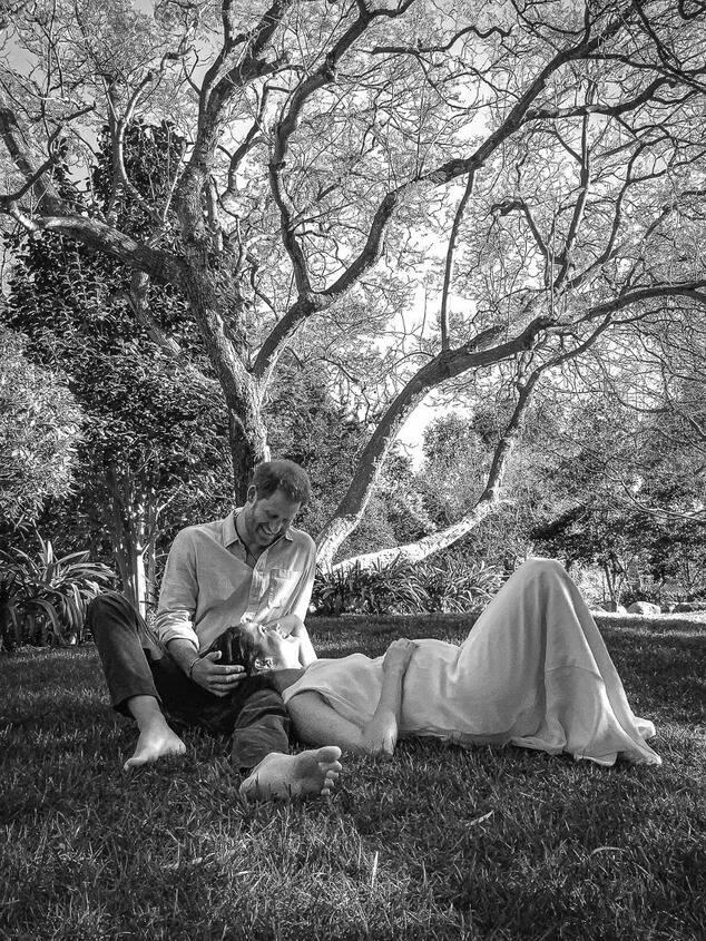 Особое значение: Меган Маркл и принц Гарри отдают дань уважения принцессе Диане объявлением второй беременности-Фото 1