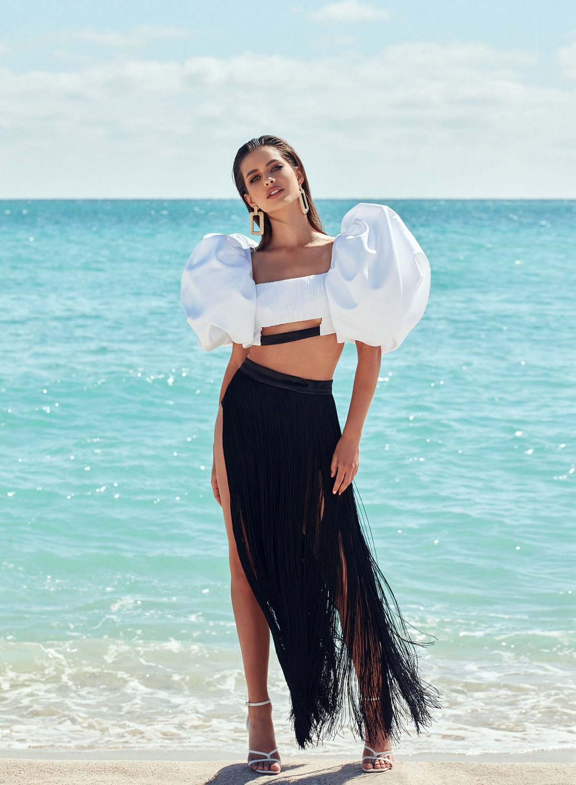 На берегу моря: История весенней digital-обложки Marie Claire-Фото 2