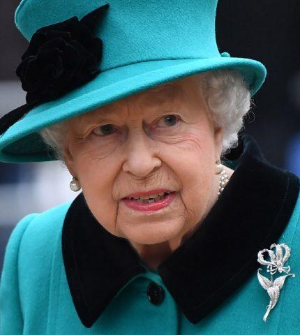 Букингемский дворец обнародовал официальный ответ на интервью Меган и Гарри-430x480