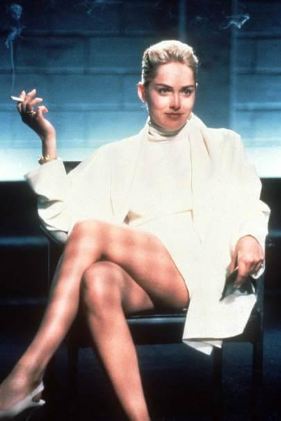 """Шэрон Стоун призналась, что ее обхитрили, заставив снять белье в провокационной сцене """"Основного инстинкта""""-Фото 2"""