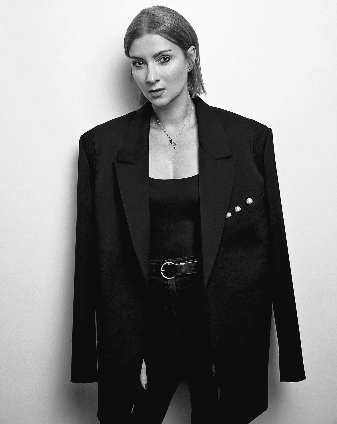 15-летие бренда Elena Burenina, в основе которого лежат принципы минимализма и деконструкции-Фото 3