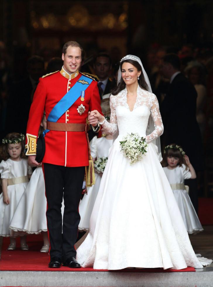 Минута ностальгии: Кейт Миддлтон и принц Уильям повторили свадебное прибытие в Вестминстерское Аббатство-Фото 2