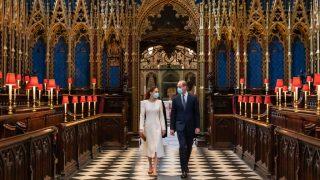 Минута ностальгии: Кейт Миддлтон и принц Уильям повторили свадебное прибытие в Вестминстерское Аббатство-320x180
