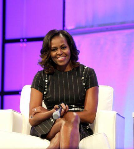 Мишель Обама рассказала, что думает об интервью Меган Маркл и принца Гарри-430x480