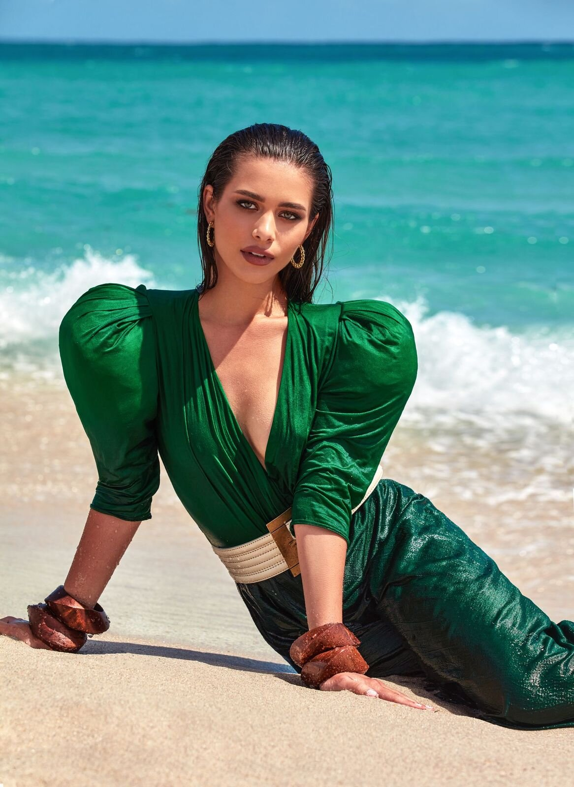 На берегу моря: История весенней digital-обложки Marie Claire-Фото 4