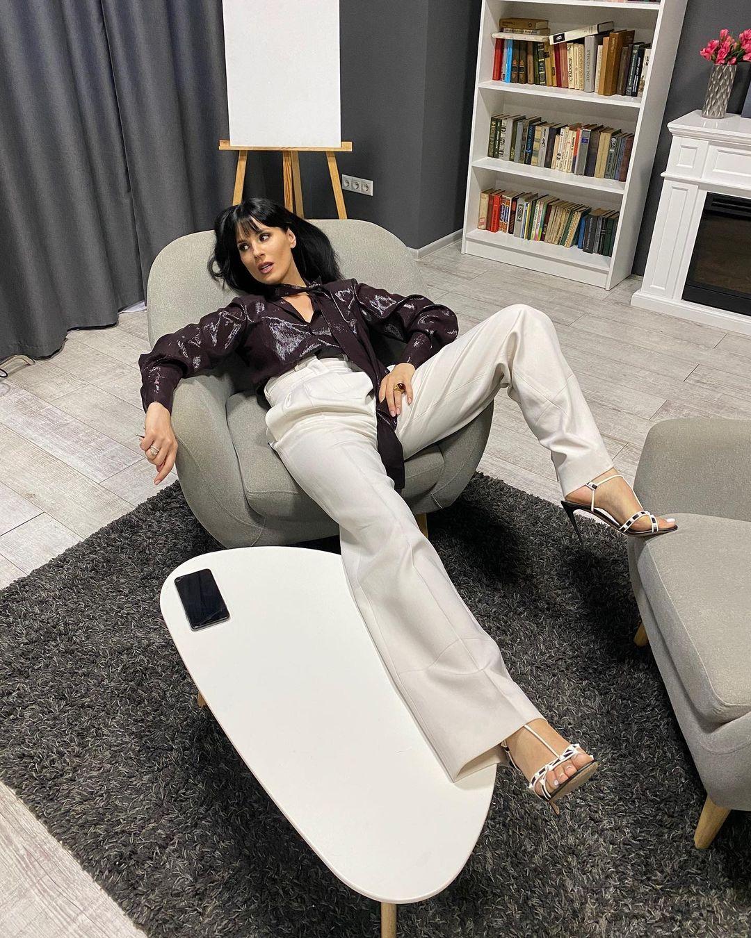 15-летие бренда Elena Burenina, в основе которого лежат принципы минимализма и деконструкции-Фото 7