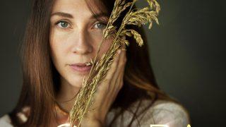«ODARA»: Дружина відомого композитора Євгена Хмари випустила свій перший сольний альбом-320x180