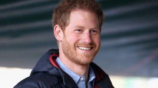 О чем разговор: Принц Гарри лично пообщался с Уильямом и Чарльзом-320x180