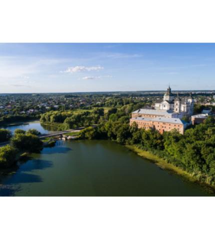 Слідами Ukraїner: топ-5 місць для подорожі Волинню-430x480