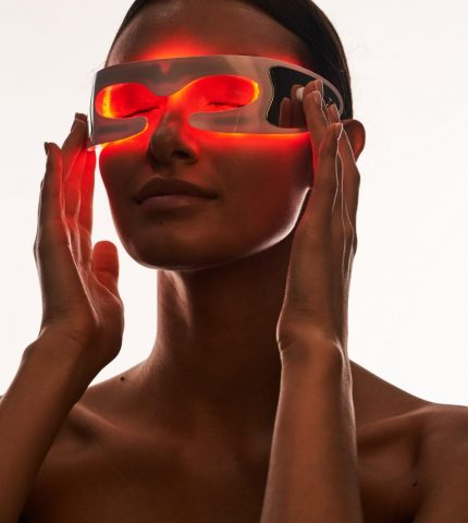 Топ 5 розумних б'юті-гаджетів, які змінять ваше обличчя-430x480
