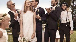 Адам Левин надел платье под стать своим дочкам исупруге— редкое семейное фото-320x180