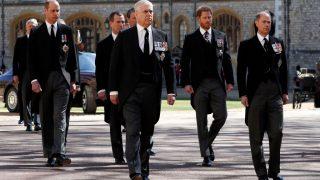 Почему принц Гарри решил остаться в Великобритании-320x180