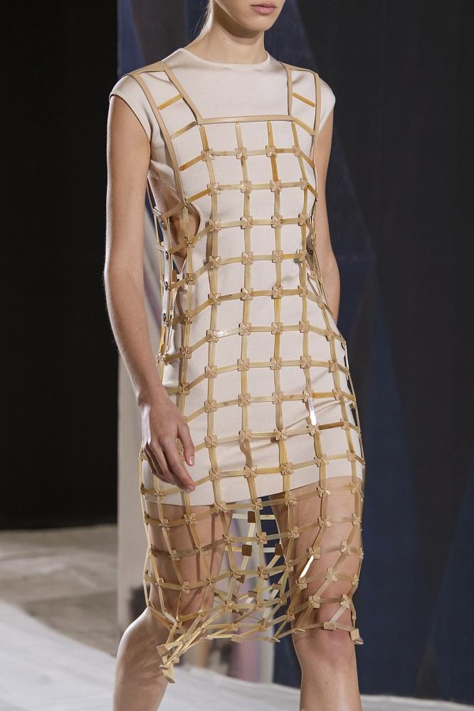Простые истины: Трендлокдауна и универсальное платье весны 2021-Фото 5