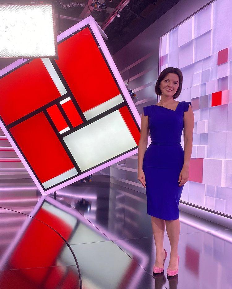 Чемпіонка Оксана Баюл в прямому ефірі з Марічкою Падалко показала свій український паспорт і розплакалася -Фото 2