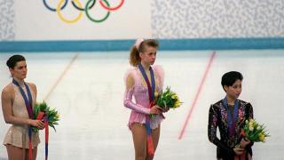 Чемпіонка Оксана Баюл в прямому ефірі з Марічкою Падалко показала свій український паспорт і розплакалася -320x180