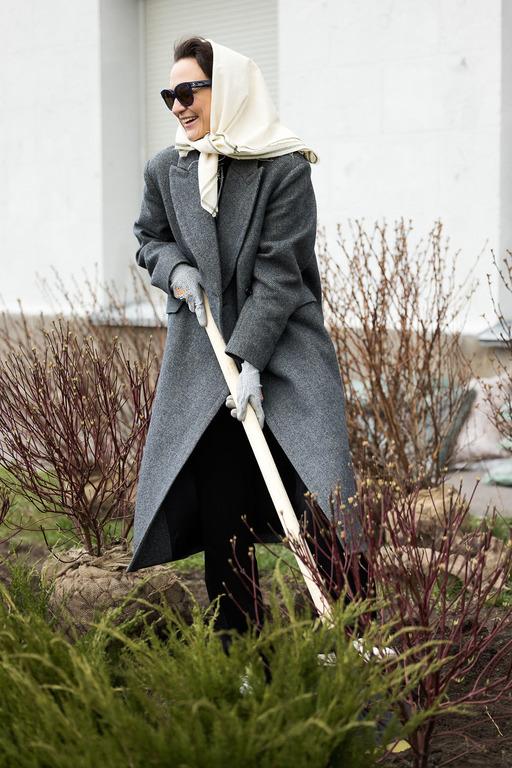 Бренд KSENIASCHNAIDER создал лимитированную коллекцию косынок для экоинициативы Savethe Spring-Фото 8