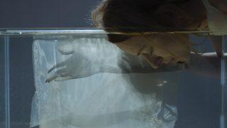 Современное искусство: Кинетические инсталляции Василины Буряник, тонна соли, воды и нейлона-320x180
