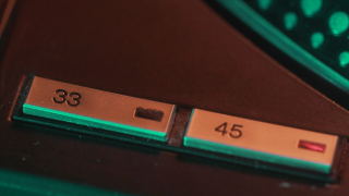 """""""Огляд вінілової колекції Євгена Кібеця"""", — Влад Фісун, діджей та музичний експерт-320x180"""