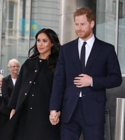 Два сапога пара: Принц Гарри солгал насчет методов воспитания Чарльза-430x480