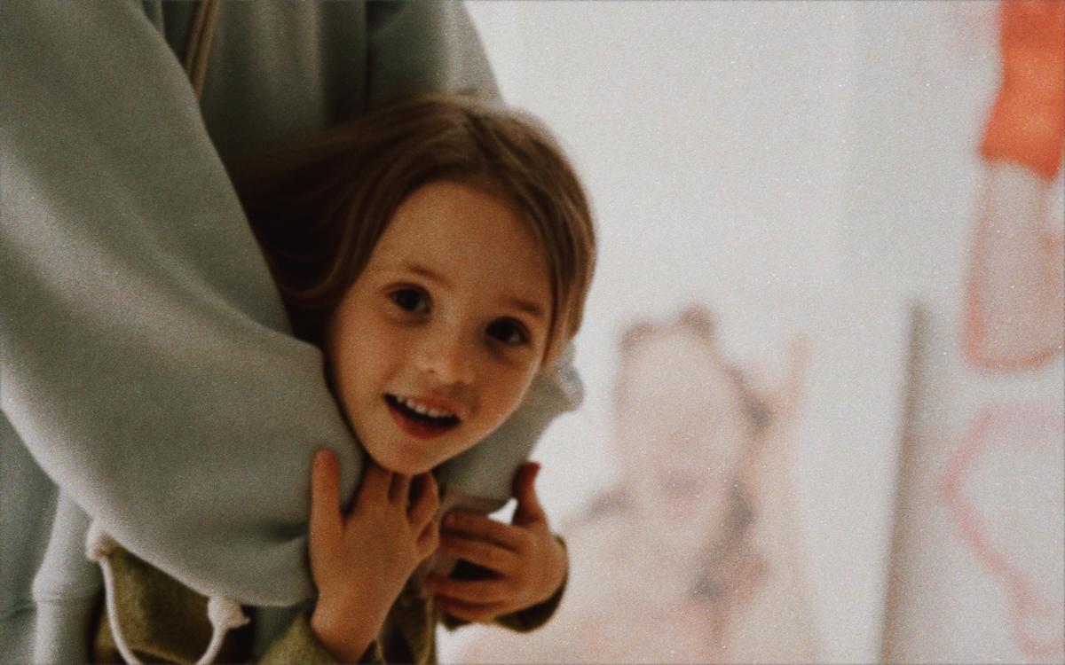 «Портрет»: Даша Кацуріна, Альона Гудкова та Ксенія Шнайдер в спецпроекті KATSURINA про красу очима дітей-Фото 2