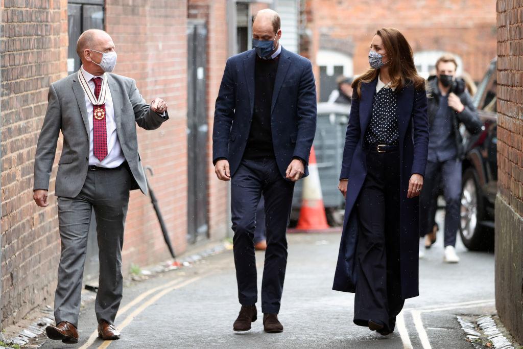 Кейт Миддлтон и принц Уильям появились на публике в парном образе-Фото 2