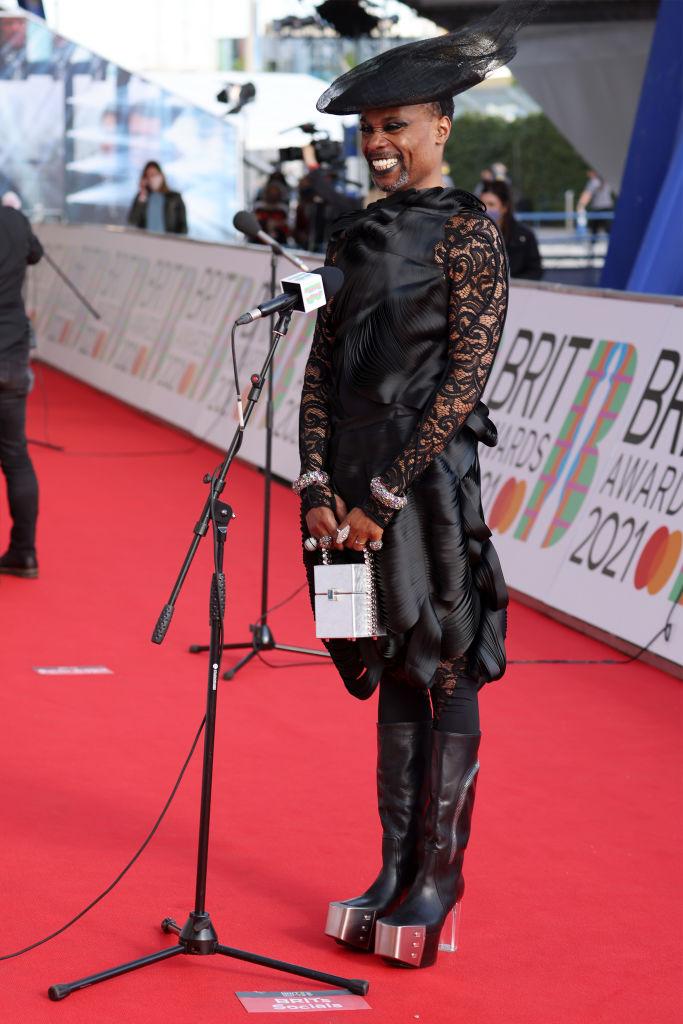 Полный обзор: Красная дорожка BRIT Awards 2021-Фото 4