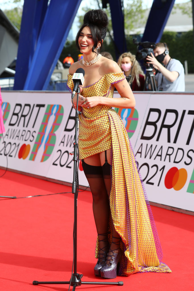 Полный обзор: Красная дорожка BRIT Awards 2021-Фото 2