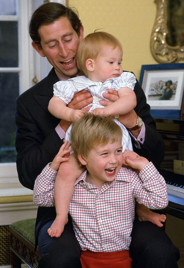 Елизавета II отвечает на недавние обвинения принца Гарри-Фото 2