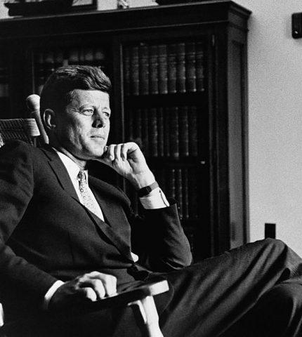 Письма Джона Кеннеди к любовнице будут проданы на аукционе-430x480