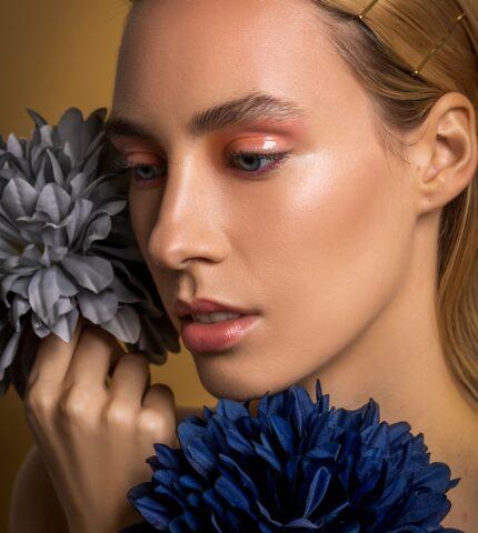 Fashion-модель Magda Swiderдемонстрирует 3 лучшихbeauty-образа лета 2021-430x480