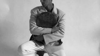 Образ дня: Австрийский инфлюэнсер Мартин Емеле в пиджаке украинского бренда Elena Burenina-320x180