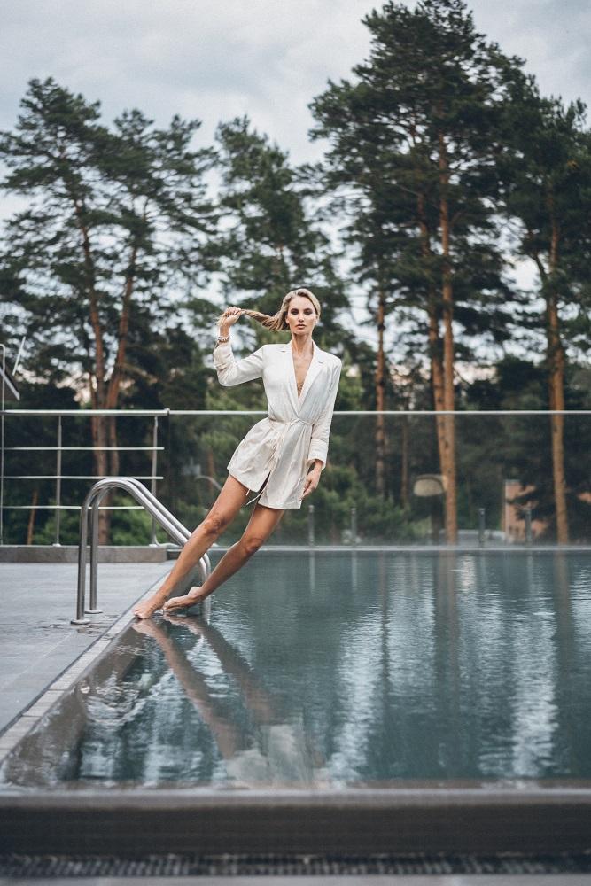 Универсальный игрок: Fashion-съемка с девушкой с обложки digital-номера Marie Claire — моделью и актрисой Викторией Любухиной-Фото 1