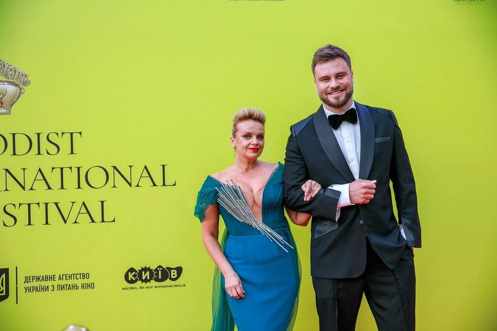Єгор Гордєєв та Ірма Вітовська оголосили переможців ювілейного кінофестивалю «Молодість»-Фото 1