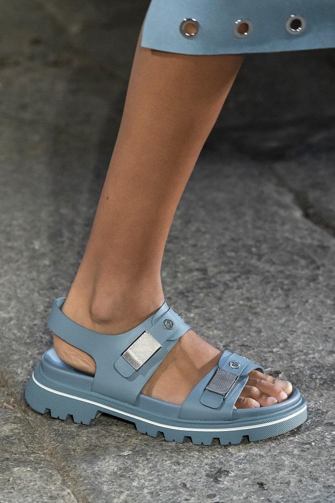 На полном ходу: 8 самых актуальных обувных трендов лета 2021-Фото 3