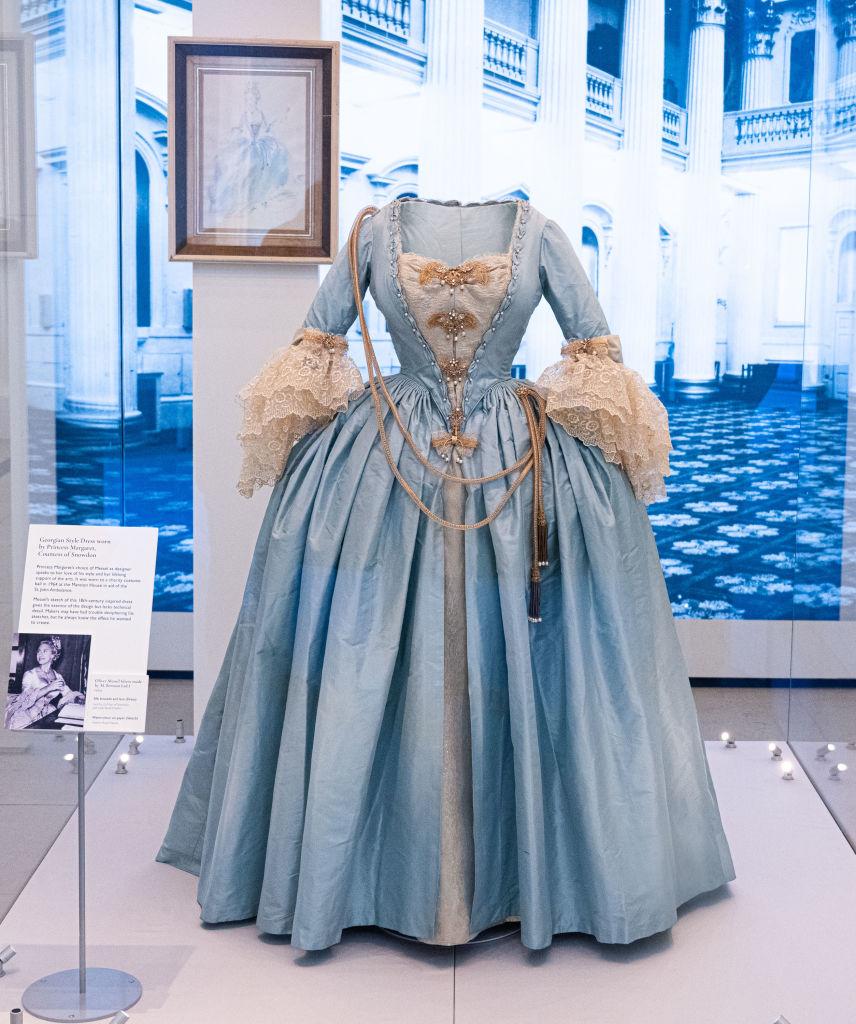 Роскошное и редкое платье принцессы Маргарет будет представлено на выставке-Фото 1