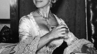 Роскошное и редкое платье принцессы Маргарет будет представлено на выставке-320x180
